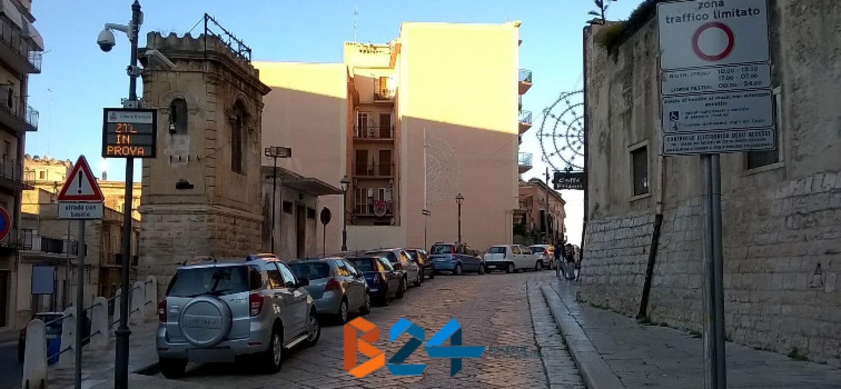 Zona a traffico limitato nel centro storico prorogata di un mese