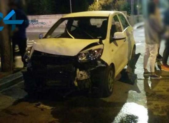 Incidente all'incrocio tra via Amando Vescovo e via Di Vittorio / FOTO