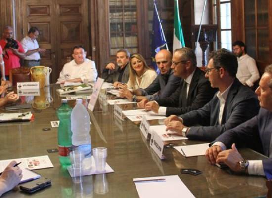 """""""Sindaci ai fornelli"""", Francesco Spina abbinato allo chef stellato Michelin Andrea Cannalire"""