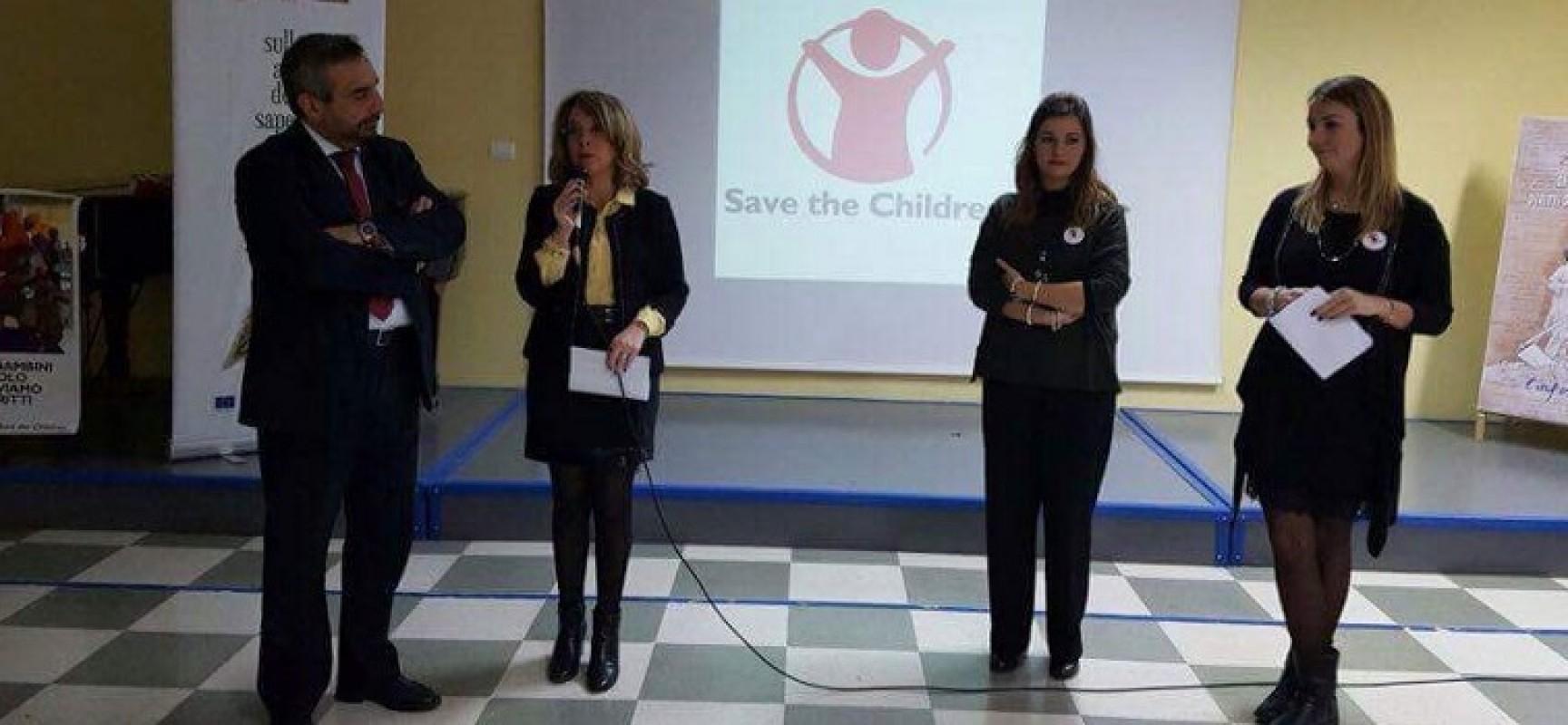 """Diritti dell'infanzia ieri incontri nella scuole medie """"Monterisi"""" e """"Battisti-Ferraris"""""""