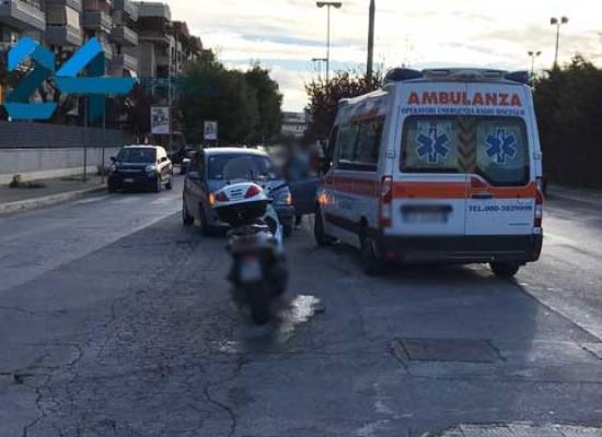 Incidente in via San Martino, motociclista al pronto soccorso / FOTO