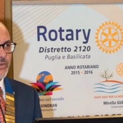 """Rotary, al """"Garibaldi"""" Mauro Pedone, Giuliano Porcelli e Michele Camero in scena con """"Le sorelle Lestrano"""""""