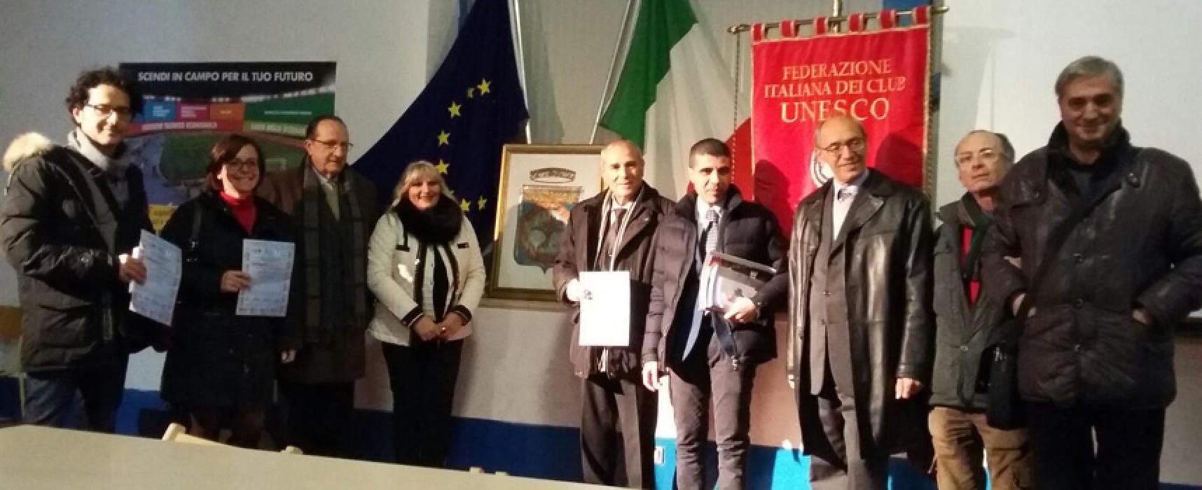 """Club Unesco Bisceglie, celebrazione della """"Giornata mondiale dei diritti umani"""" all'Istituto """"Dell'Olio"""""""