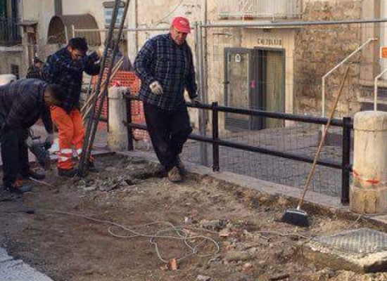 Distributore carburante corso Umberto, il Comune procede alla rimozione con i lavori in danno