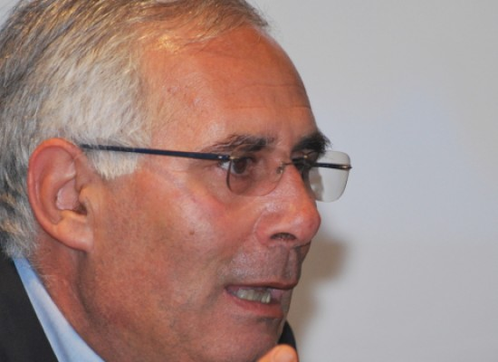 """Anni di piombo e caso Moro, gli studenti del """"Dell'Olio"""" incontrano l'onorevole Gero Grassi"""