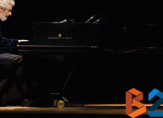 La musica è pericolosa, Piovani riempie il teatro e incontra orchestra Monterisi / INTERVISTA VIDEO