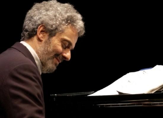 """""""La musica è pericolosa"""", il racconto musicale di Nicola Piovani in scena al Teatro Garibaldi"""