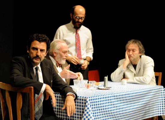 """Al Teatro Garibaldi vanno in scena """"I giocatori"""" di Enrico Ianniello con Carpentieri e Laudadio"""
