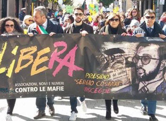 """Corteo scuole cittadine in ricordo di Sergio Cosmai: """"Non una ricorrenza, ma un sogno di legalità"""" / FOTO"""