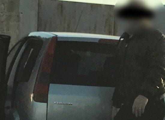 Abbandona rifiuti in via Carrara Salsello, multa di 500 euro per cittadino biscegliese