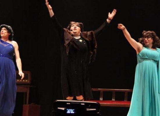 """""""Le sorelle Lestrano"""", una bella prova corale per il trio rotariano che stupisce e diverte"""