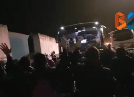 Bisceglie Calcio, calorosa accoglienza dei tifosi al Ventura di ritorno da Roma / VIDEO
