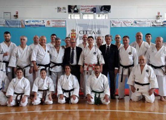 Metodo Globale di Autodifesa: tecnici e atleti di Arti Marziali a lezione dal maestro Failla
