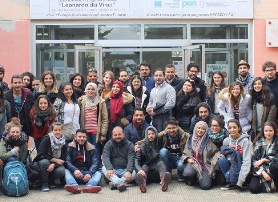"""""""Europe Meets Euromed"""", gli alunni del """"da Vinci"""" hanno incontrato i ragazzi del progetto Erasmus+"""