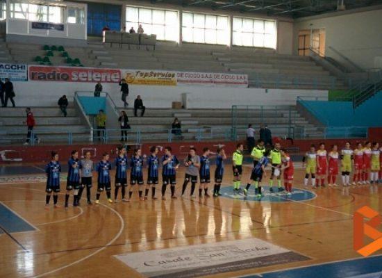 Calcio a 5 femminile: pesante ko interno per l'Arcadia, pari e speranze per il Futsal Bisceglie