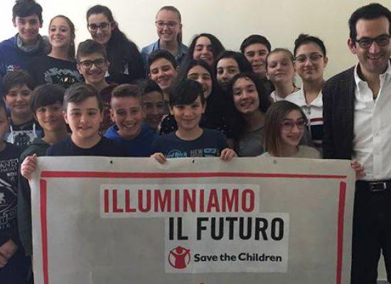 """Conclusa la campagna """"Illuminiamo il futuro"""", le attività degli alunni della Monterisi / FOTO"""