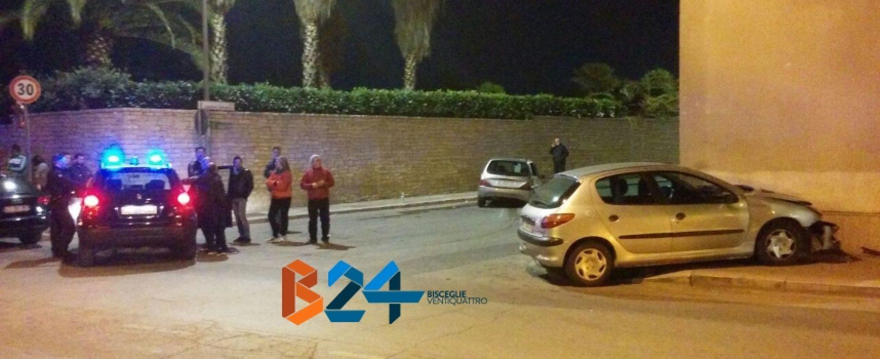 Scontro tra due auto in via della Libertà, quattro feriti in ospedale