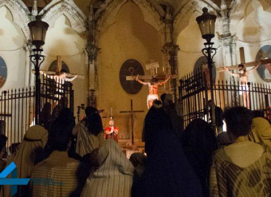 """La """"Passio Christi"""" ed i suoi momenti toccanti vissuti ieri sera nel centro di Bisceglie / GALLERY"""