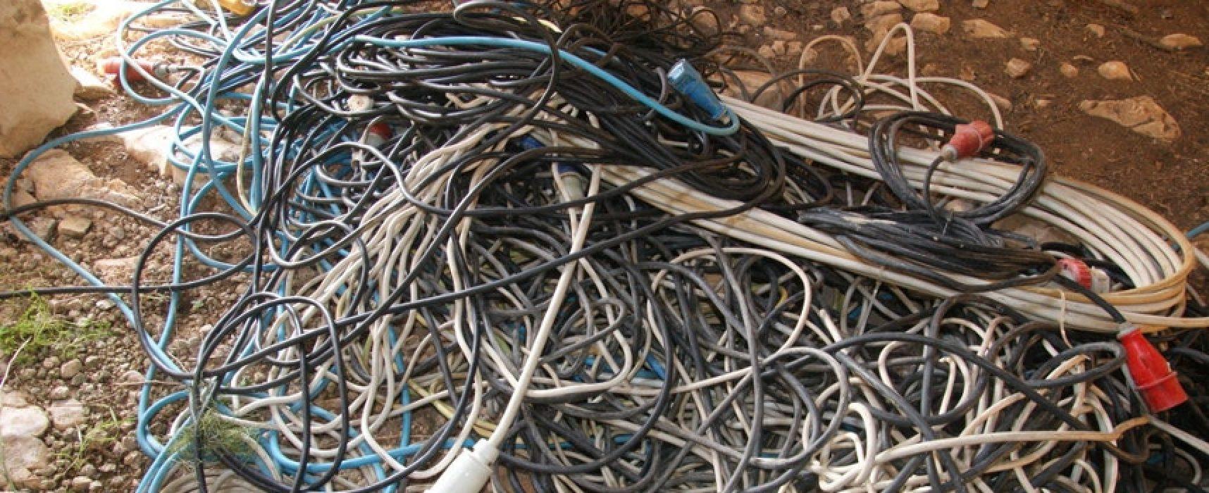 Furto cavi linea elettrica: parte di via Ruvo senza corrente, E-Distribuzione al lavoro