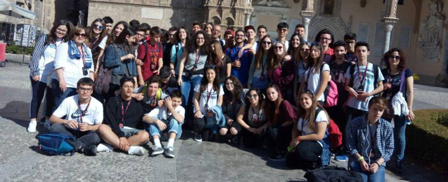 """Gli studenti del Liceo """"da Vinci"""" tra Capaci e Palermo in ricordo di Falcone e Borsellino"""