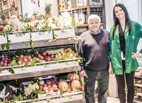 Chiude lo storico negozio ortofrutticolo degli Abbascià, pezzo di storia biscegliese a Milano