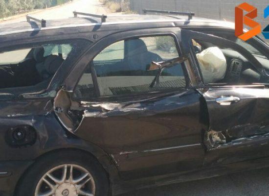 Scontro tra camion e autovettura su via Sant'Andrea