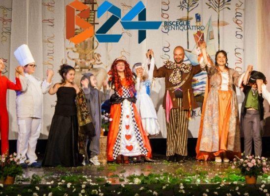 """Grande entusiasmo per """"Alice Nel Paese delle Meraviglie"""" della compagnia Fagipamafra"""