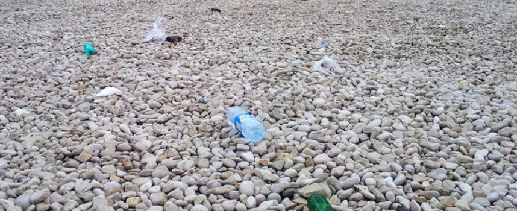 Multe di 500 euro per chi abbandona rifiuti in spiaggia