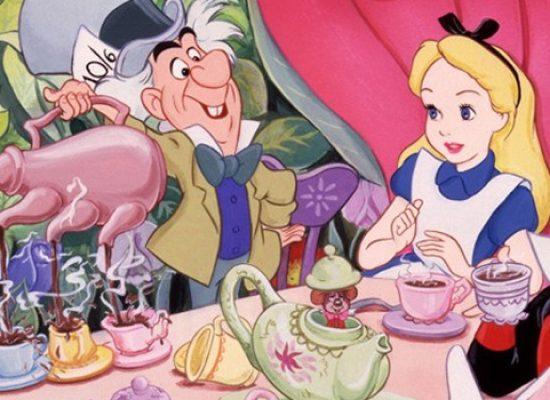 """""""Alice nel paese delle Meraviglie"""", i piccoli attori della Compagnia Fagipamafra in scena al Politeama"""
