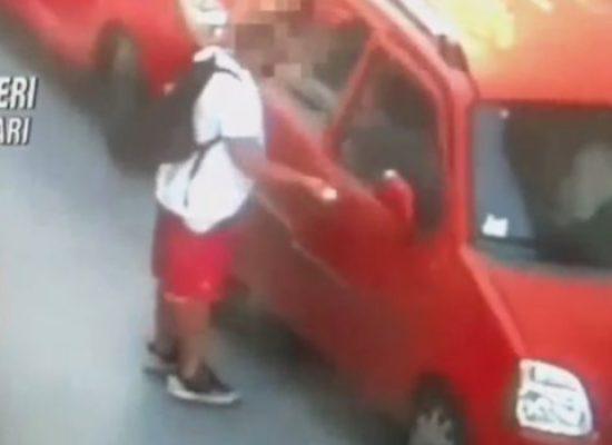 Apre portiera auto e ruba borsa durante parcheggio, arrestato biscegliese in trasferta / VIDEO