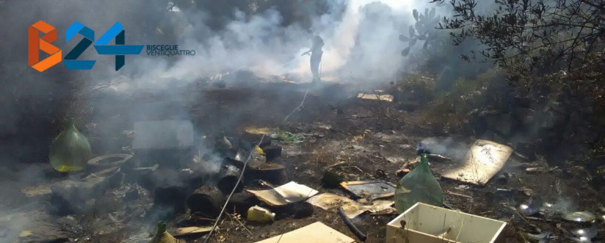 Incendio di rifiuti e sterpaglie in zona Lama di Macina / FOTO