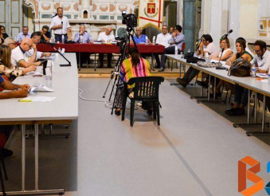 Lunedì 27 novembre consiglio comunale, si discuterà di debiti fuori bilancio