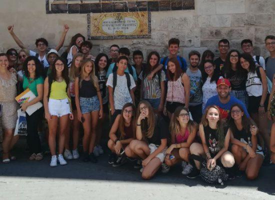 """Apprendimento lingue straniere e confronto tra culture, alunni del """"Dell'Olio"""" a Valencia"""