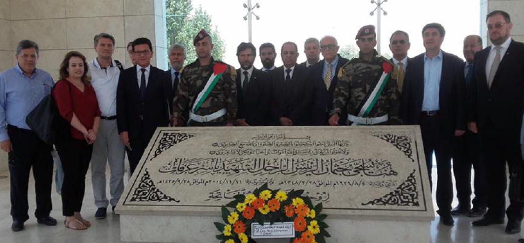 Assemblea Parlamentare del Mediterraneo, il senatore Amoruso in visita in Palestina / FOTO
