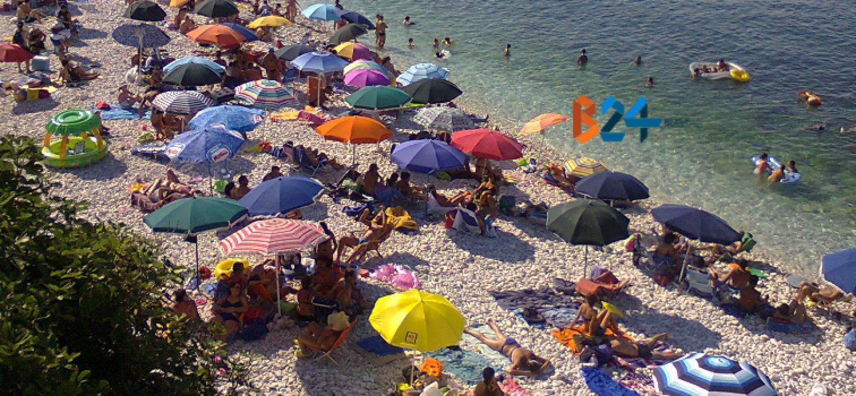 Riaperture: ecco tutte le regole per incontri, parrucchieri, ristoranti, negozi, palestre e spiagge
