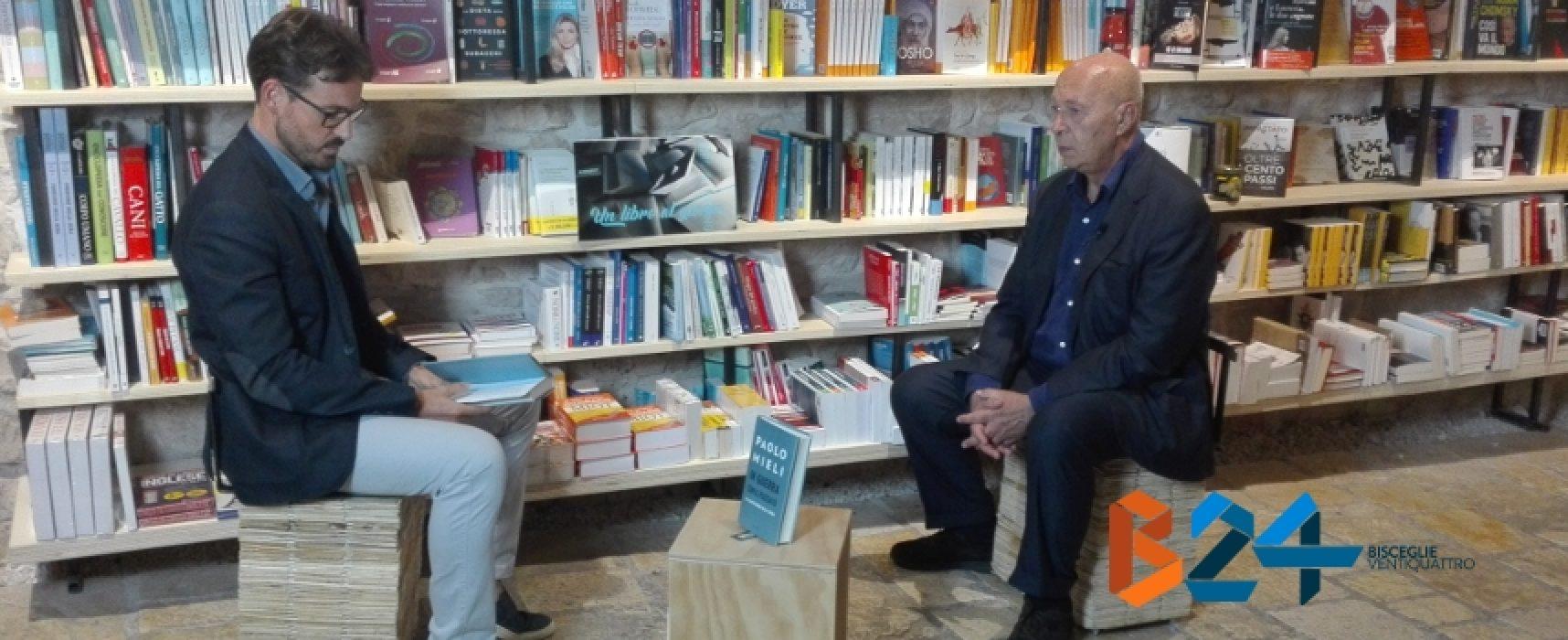 """Libri nel Borgo Antico, Piazza Castello gremita per Paolo Mieli e il suo """"In guerra con il passato"""""""
