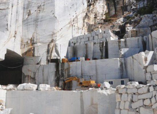 Giacimento marmifero, Regione concede a Comune 100mila euro per piano particolareggiato
