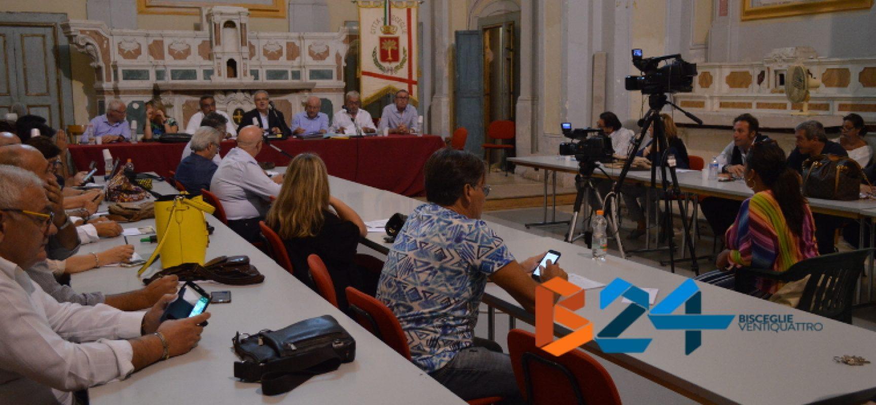 Consiglio comunale: Francesco Spina non è più sindaco, al suo posto Vittorio Fata