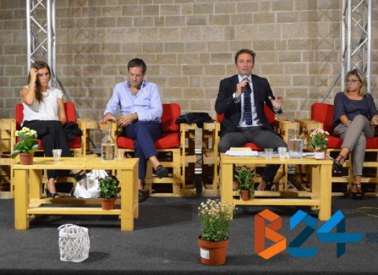 """Conferenza opposizioni: """"Bisceglie non merita un sindaco che se ne infischia delle istituzioni"""" / FOTO"""