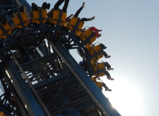 Giostra bloccata a venti metri d'altezza a Miragica, il racconto di un biscegliese