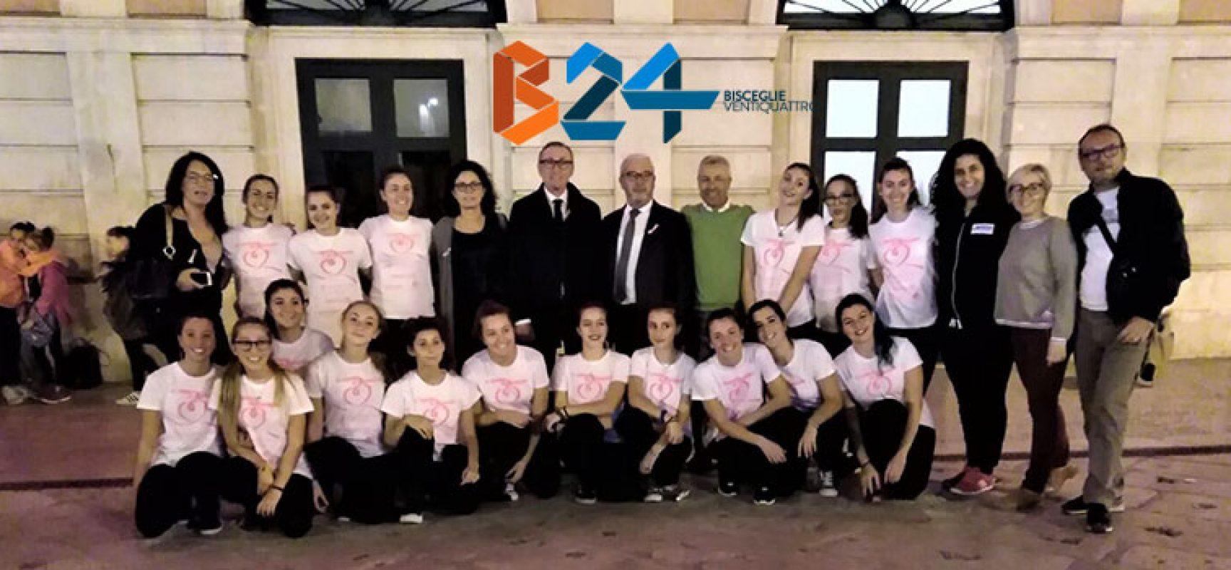 Bisceglie si colora di rosa per la lotta contro il tumore al seno / FOTO