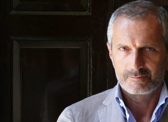 """""""Le tre del mattino"""", Gianrico Carofiglio presenta la sua ultima opera al Mondadori Bookstore"""