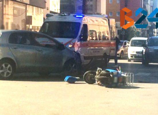 Scontro auto-moto, 35enne al pronto soccorso