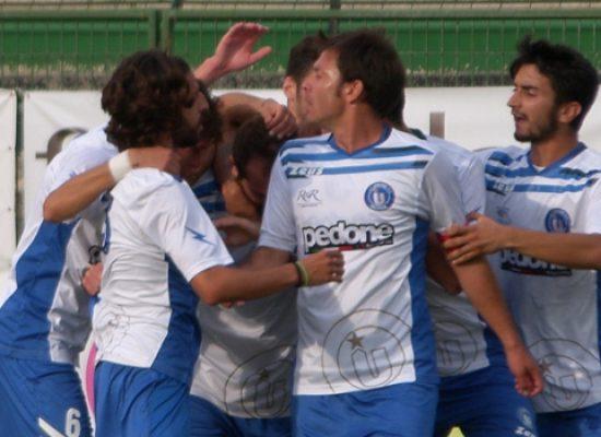Unione Calcio, primo sorriso: contro il Casarano è 2-1