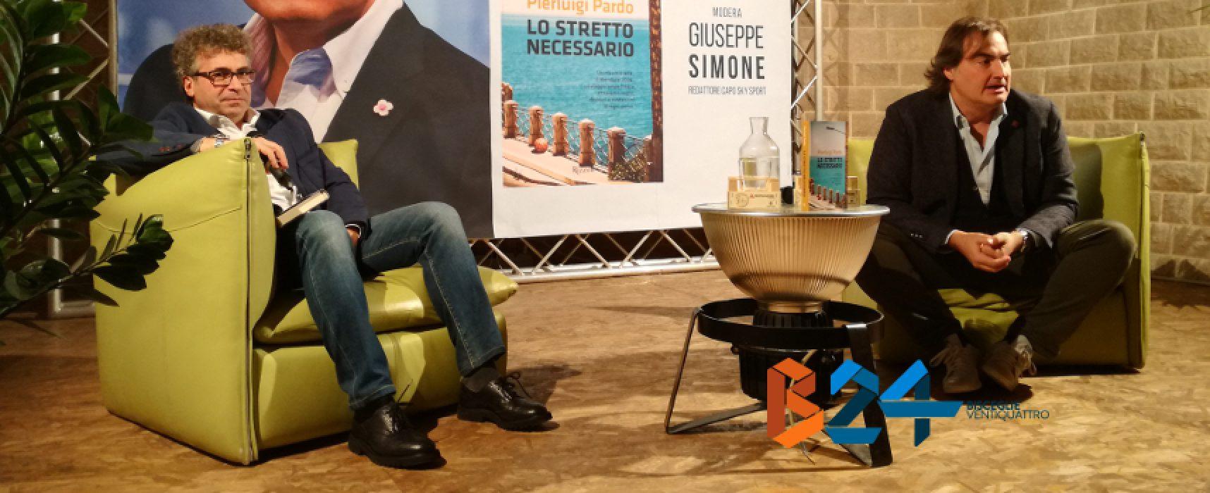 """""""Lo stretto necessario"""", Pierluigi Pardo presenta il suo romanzo tra ironia e malinconia / VIDEO"""