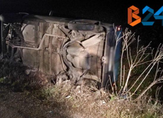 Auto finisce in un campo in via San Mercuro, due feriti al pronto soccorso / FOTO