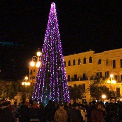 Inaugurazione presepe ed accensione dell'albero, al via il periodo natalizio / FOTO