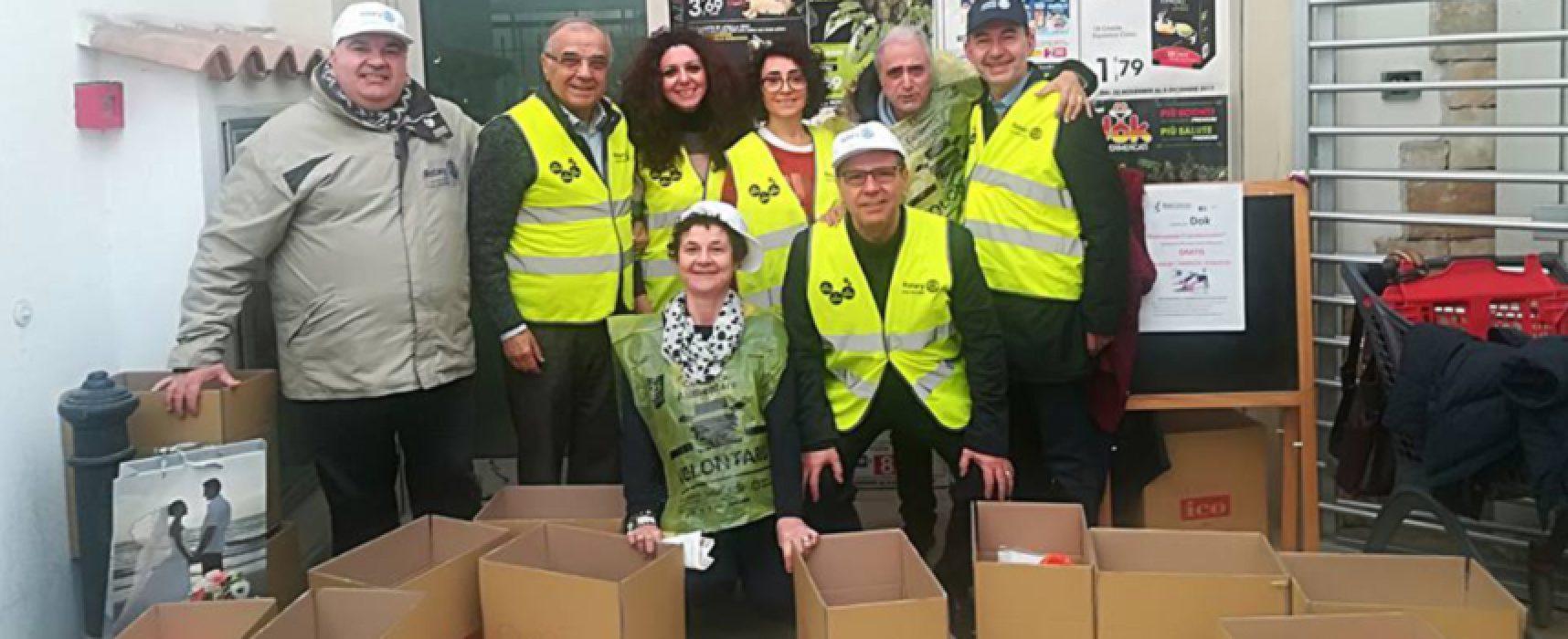 Giornata della Colletta alimentare, a Bisceglie raccolti 800 kg di alimenti / FOTO