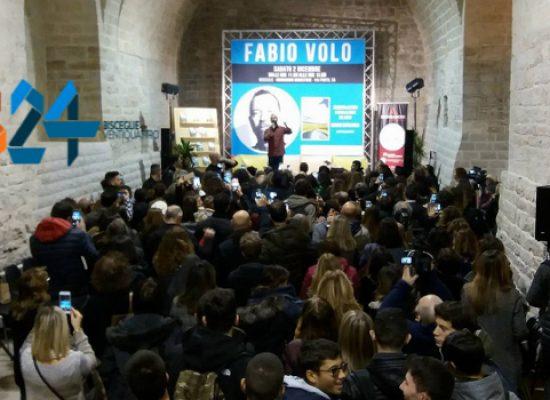 """""""Quando tutto inizia"""", Fabio Volo incontra lettori e fan alle Vecchie Segherie di Bisceglie / VIDEO"""