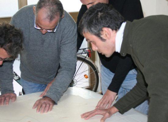 """Temenos e progetto Caritas """"Recuperiamoci"""" inaugurano natività realizzata a mano"""